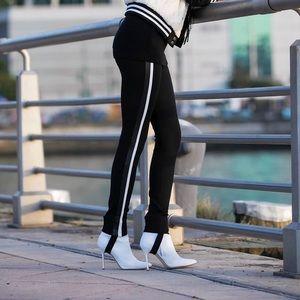 Zara Women's Black Stretch Fit Stirrup Leggings